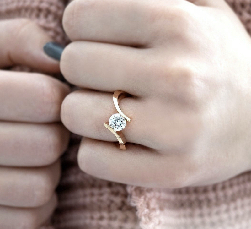Is It Possible To Design An Engagement Ring Without Prongs?